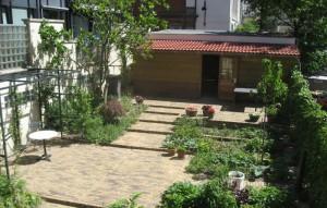 Binnentuin door Cilia Prenen